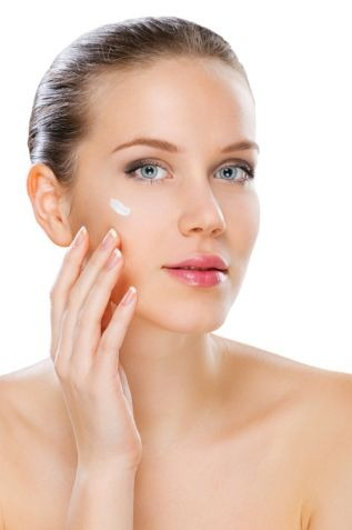 At What Age Should You Begin Using Anti-Aging Skincare Products?