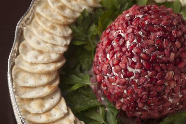 Entertaining: Pomegranate Jeweled Cheese Ball