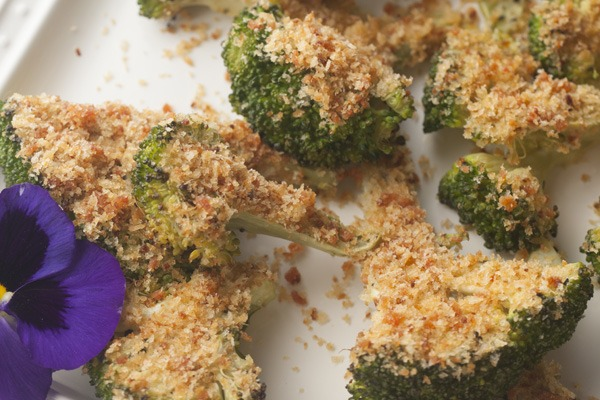 Entertaining: Flash-Roasted Broccoli With Spicy Crumbs