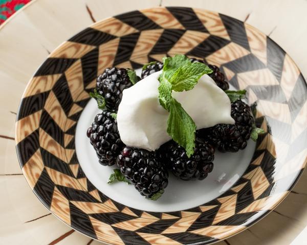 Minted Blackberries with Lemon Cream