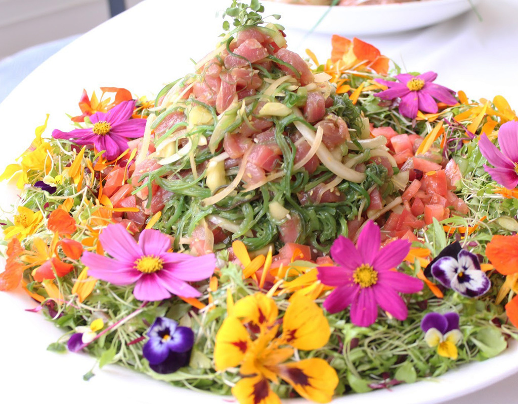 Tuna Poke Seaweed Salad