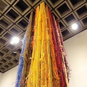 Sheila Hicks, Pillar of Inquiry/Supple Column, 2013-14. Acrylic, linen, cotton, bamboo, and  silk, 204 × 48 × 48 in. Collection of the artist; courtesy Sikkema Jenkins & Co., New York.