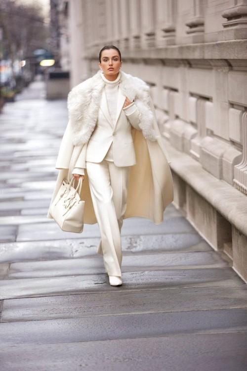 Fashionomics white 01