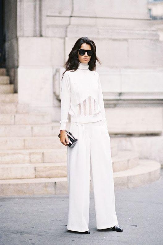Fashionomics white 04