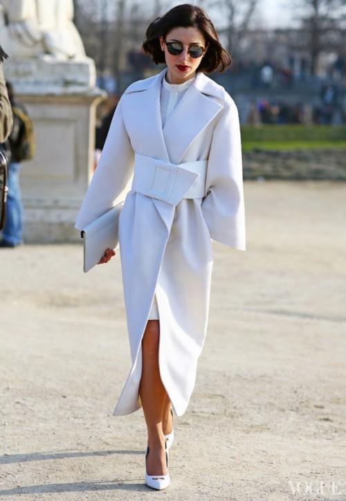 Fashionomics white 06