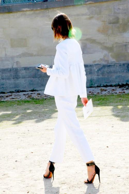 Fashionomics white 07