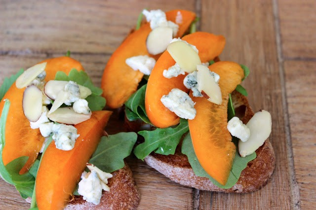 Crostini with Sliced Apricots, Blue Cheese, and Agave Nectar Drizzle
