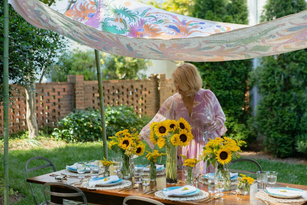 summer entertaining al fresco dining tablescape