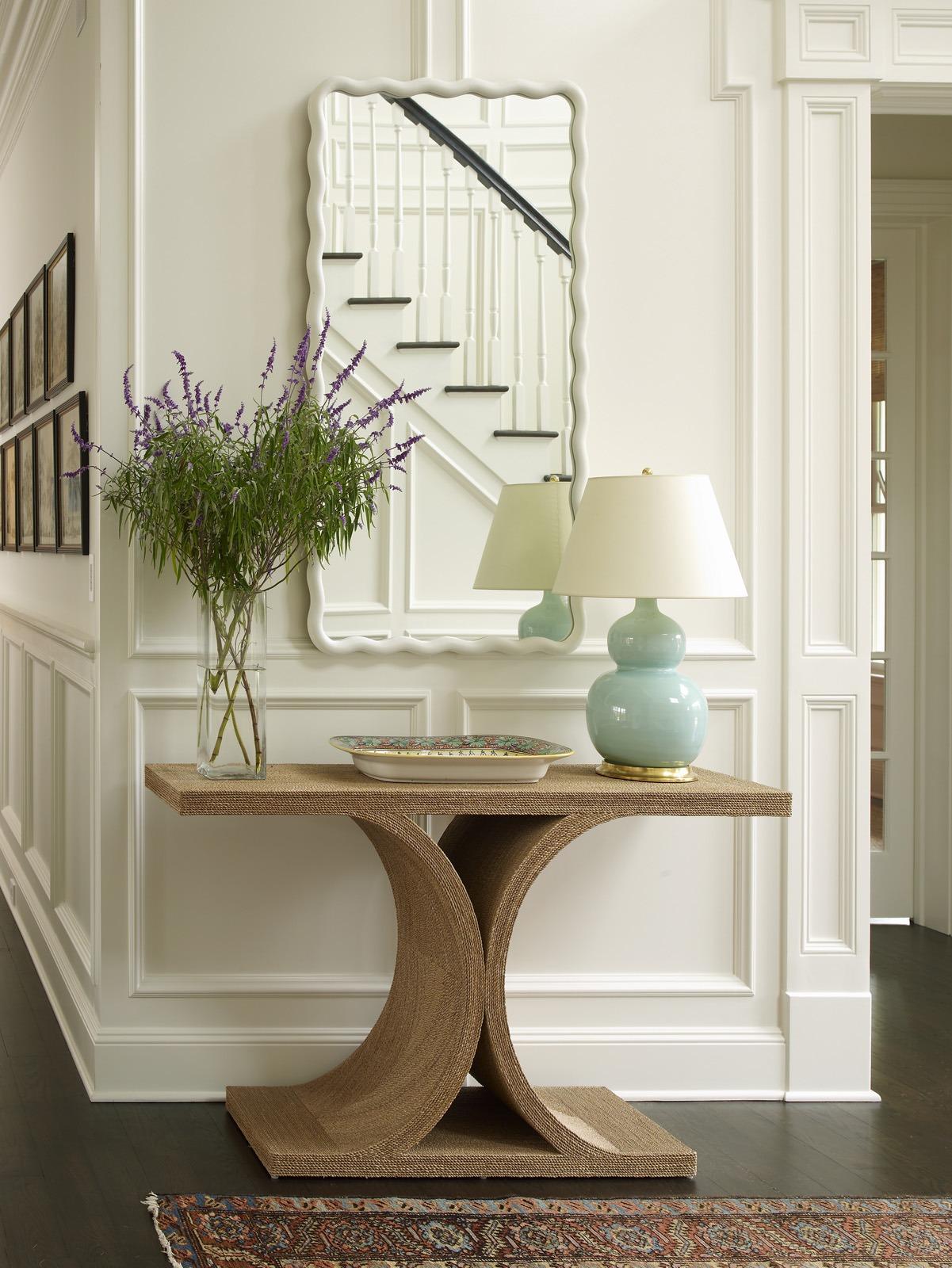 Meg Braff Designs Southampton home entry foyer