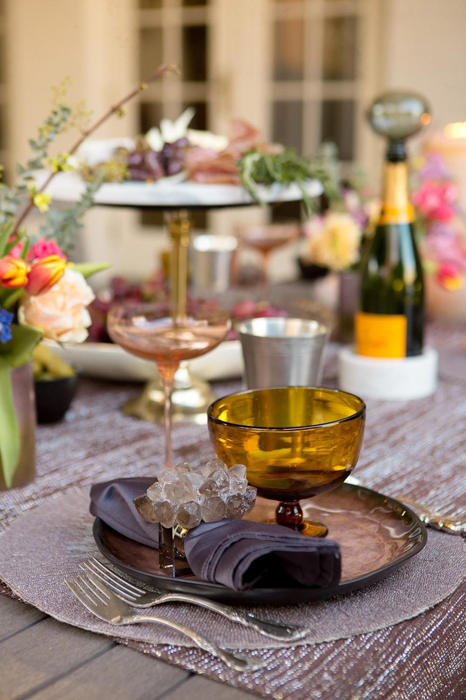 spring outdoor entertaining tablescape