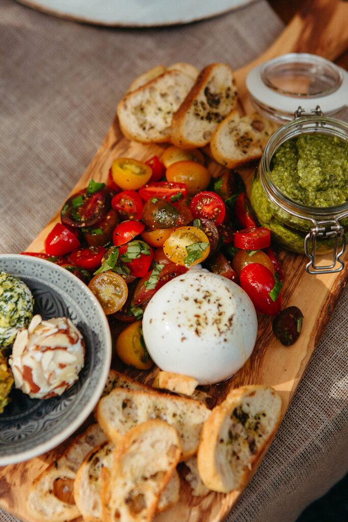 tomato burrata appetizer
